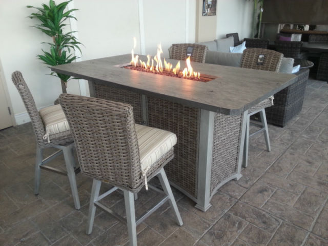 Fire Pit Tables Offer Dual Functionality